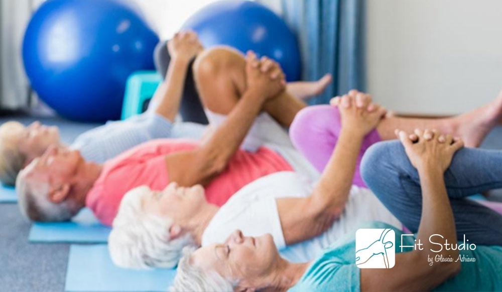 A prática de atividades físicas ajudam, além de tonificar a musculatura, deixa os ossos mais fortes