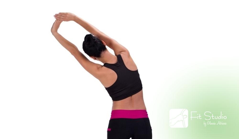 O alongamento ajuda a manter o corpo em movimento e também a saúde da sua coluna