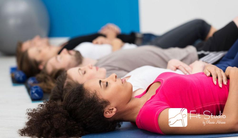 Pilates só pensando na melhoria do seu rendimento é essencial passar por uma avaliação de um profissional capacitado e graduado em uma escola séria do método
