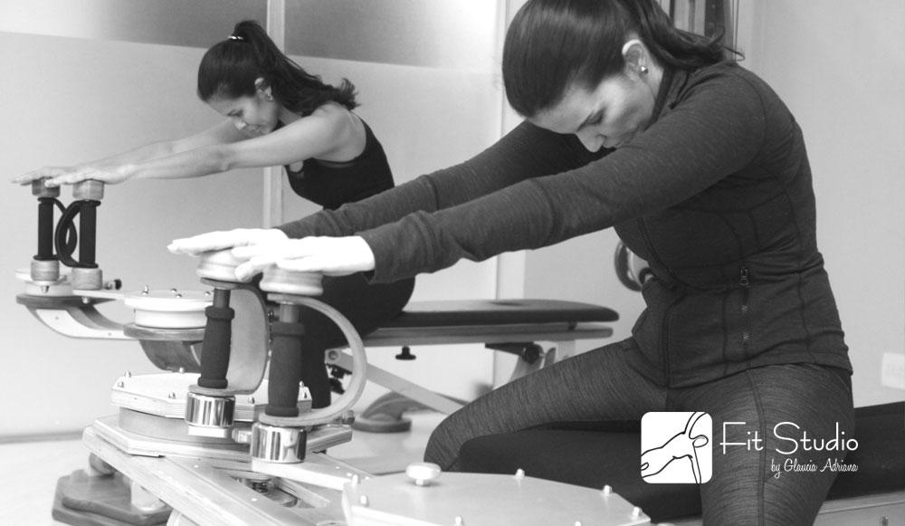 Os exercícios no aparelho Gyrotonic trabalham alongando e fortalecendo a musculatura